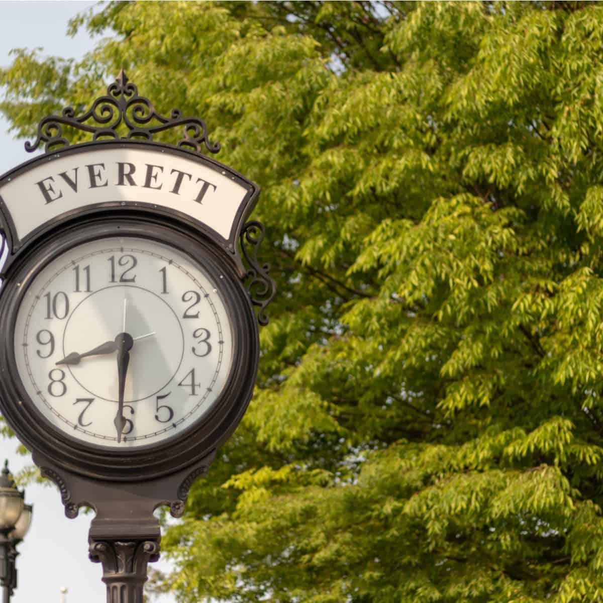 Big Clock with name Everett